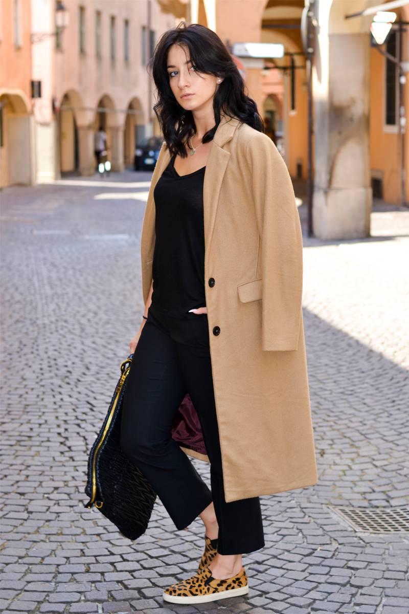 Come abbinare il cappotto cammello: consigli per un look unico