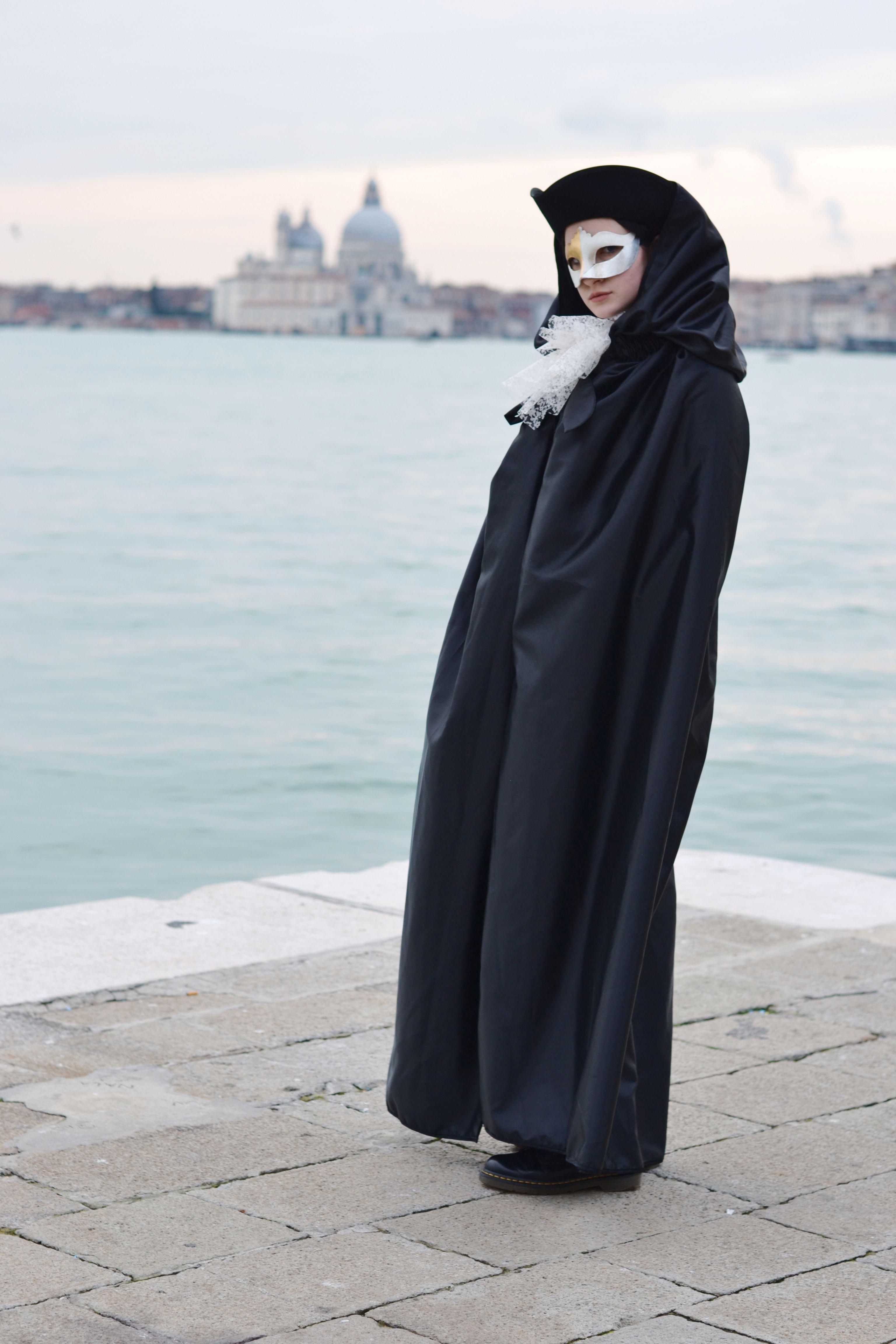 Come vestirsi a Carnevale: idee outfit e trucco viso